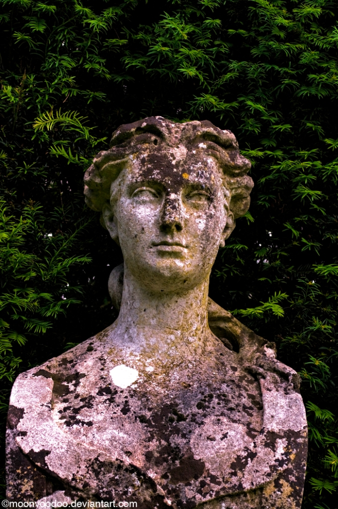 Statue-Esque